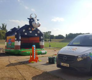 Kindermobil 24 Kuh-Hüpfburg