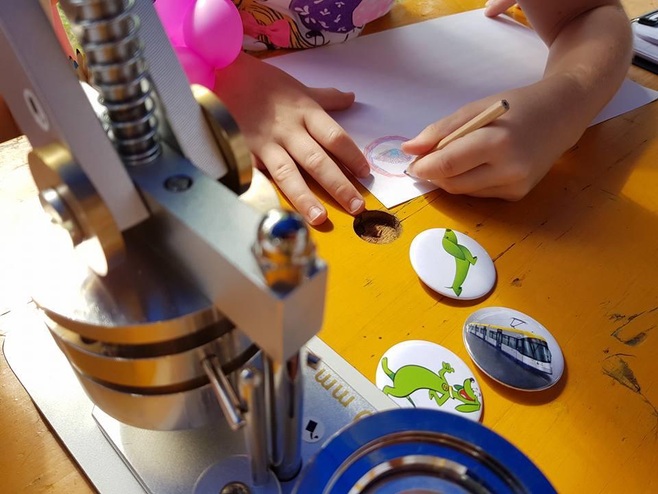 Buttonmaschine mit Kindermobil24
