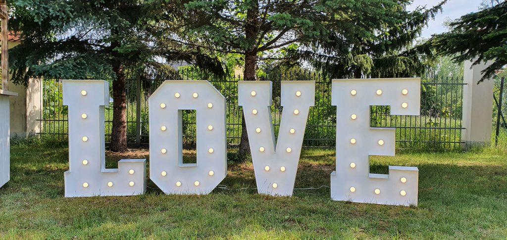 """LED-Buchstaben """"Love"""""""