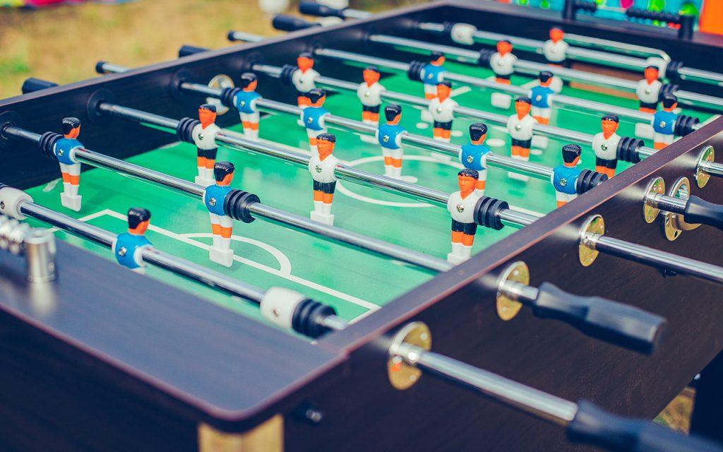 Fußballparty mit Kickertisch